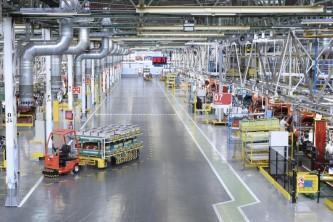La ministra Maroto promete ayudas al sector del automóvil ante una etapa que presenta incertidumbres y altos riesgos - SoyMotor.com