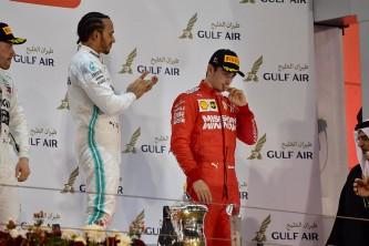 Lewis Hamilton, vencedor tras la avería de Charles Leclerc en el GP de Baréin F1 2019 - SoyMotor