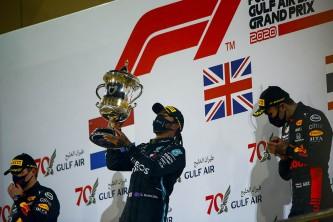 Hamilton gana en el día que Grosjean volvió a nacer - SoyMotor.com