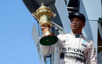 Lewis Hamilton en el podio de Silverstone - LaF1