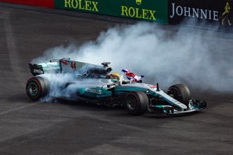 Hamilton celebra su cuarto Mundial - SoyMotor.com