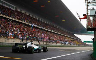 Lewis Hamilton vence en el GP de China F1 2017 - SoyMotor