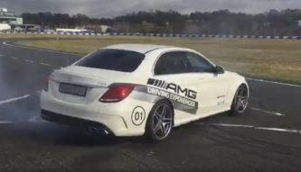 Lewis Hamilton se divierte con su nuevo juguete, un Mercedes-AMG C63 - SoyMotor.com