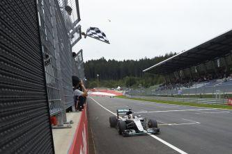 Hamilton consigue la 46ª victoria de su trayectoria - LaF1