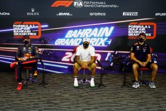 Max Verstappen, Lewis Hamilton y Alexander Albon en Baréin - SoyMotor.com