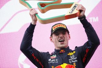 Verstappen 'controla' a Hamilton y gana en Estiria; remontada espectacular de Sainz - SoyMotor.com