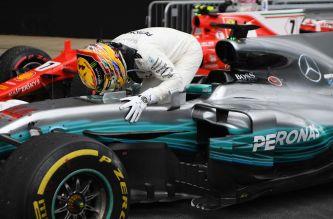 """Hamilton, rotundo: """"No tengo ningún plan de irme a Ferrari"""""""
