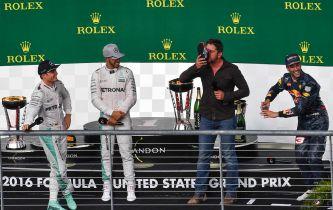 """Hamilton: """"¿Qué yo haga un shoey? Eso es asqueroso"""""""