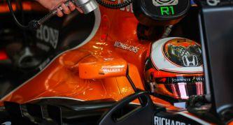 Vandoorne completa 135 vueltas en el test de Pirelli de mojado