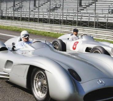 Hamilton y Moss doman el antiguo óvalo de Monza con un Mercedes W196 - LaF1