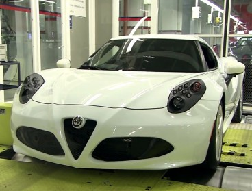 El Alfa Romeo 4C en los rodillos tras completar su fase de montaje - SoyMotor