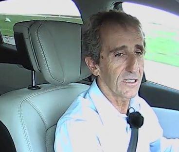 Alain Prost prueba en un circuito el nuevo Renault Talismán, sustituto del Laguna - SoyMotor