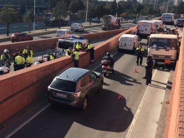 Detienen a tiros a un camión de butano robado que circulaba en dirección contraria - SoyMotor.com