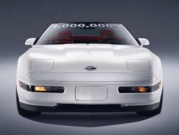 El trabajo de 30 operarios nos devuelve al Corvette 'un millón' - SoyMotor