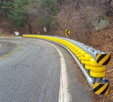 La barrera Roller System redirige a los vehículos que pierden el control - SoyMotor.com