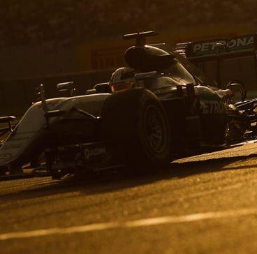 Lewis Hamilton en Abu Dabi 2016 - SoyMotor
