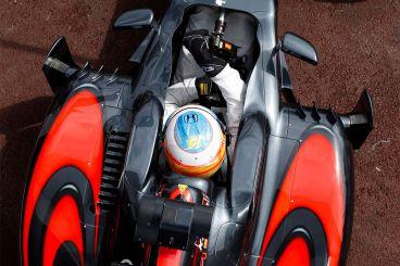 Así suena el nuevo McLaren MP4-31 de Alonso y Button para 2016