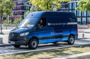 Elon Musk publica un tuit sobre una posible colaboración con Daimler-Benz - SoyMotor.com