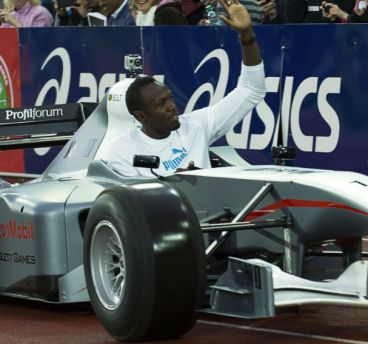 El día que Usain Bolt tomó la pista de atletismo con un monoplaza - LaF1