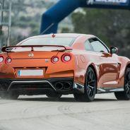 Nissan 370Z Nismo y Nissan GT-R en 6to6 - SoyMotor.com