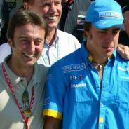 Adrián Campos y Fernando Alonso en una imagen de archivo de 2003 - LaF1