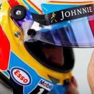 Alonso, cabizbajo tras abandonar en Malasia - LaF1