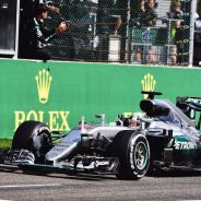 Lewis Hamilton cruza la meta en Spa - LaF1