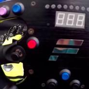 Un volante de Fórmula 1 de escritorio