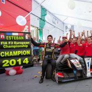 Esteban Ocon festeja el título de la F3 - LaF1