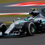 Sensaciones encontradas para Rosberg: primer tiempo y percance peligroso con un neumático - LaF1
