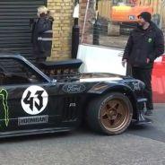 El equipo de Top Gear en torno al Mustang Hoonicorn - SoyMotor