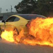 Tras la bola de fuego se esconde la trasera de un Ford Shelby GT350 - SoyMotor