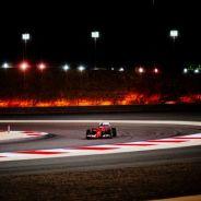 Kimi Räikkönen corriendo en Baréin - LaF1.es