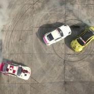 Fotograma del vídeo con los tres vehículos haciendo donuts - SoyMotor