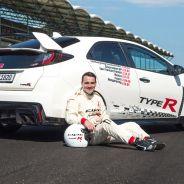 Norbert Michelisz tras conseguir el récord del circuito de Hungaroring con el Civic Type R - SoyMotor