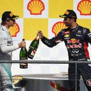 Nico Rosberg y Daniel Ricciardo en el podio de Bélgica - LaF1