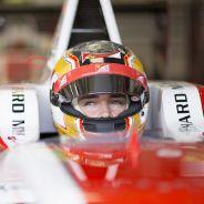 Charles Leclerc subido a su ART de GP3 - LaF1