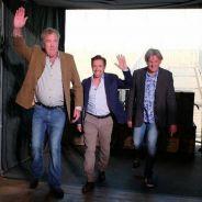 Los tres presentadores entrando en la carpa que hace de improvisado plató de televisión - SoyMotor