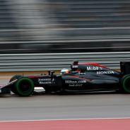 Alonso fuera de los puntos por un problema eléctrico - LaF1