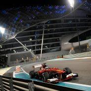 Fernando Alonso en el Yas Marina de Abu Dabi - LaF1