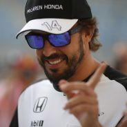 Fernando Alonso, sonriente en Baréin - LaF1