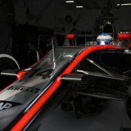 Fernando Alonso en el MP4-30 - LaF1
