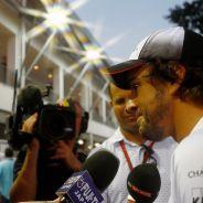 Alonso espera que Ecclestone siga en la F1 - LaF1
