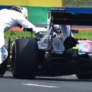 Fernando Alonso empujando su McLaren-Honda - LaF1