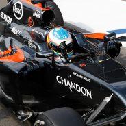 Fernando Alonso celebra su resultado en el GP de Bélgica - LaF1