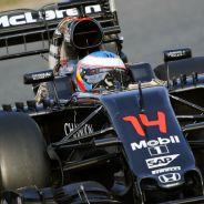 Fernando Alonso durante una de las tres vueltas que ha dado hoy - LaF1