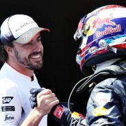 Alonso felicita a Verstappen tras su victoria en Montmeló - LaF1