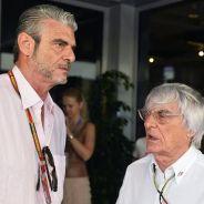 Maurizio Arrivabene conversando con Bernie Ecclestone - LaF1