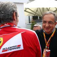 Sergio Marchionne hablando con Maurizio Arrivabene en Canadá - LaF1