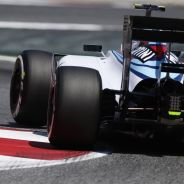 Valtteri Bottas con el FW37 en Barcelona - LaF1